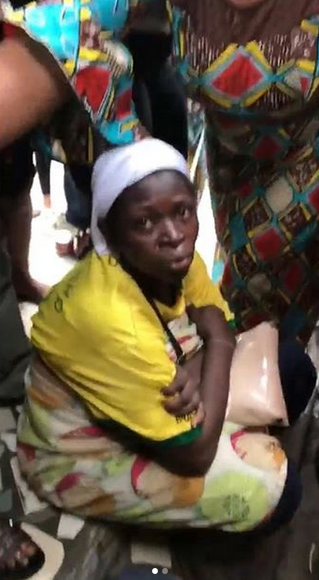 Lady tries killing her baby after delivery inside a toilet in Lagos [Graphic Video]