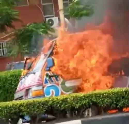 SAD: Bus Catches Fire At UNILAG – The 4th Tragedy At The School In Three Weeks (Video)