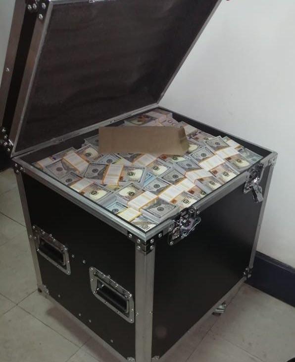 $20 million Fake Dollars Found In A Bank (Photos)
