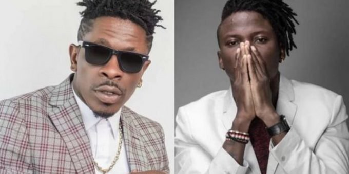 Watch The Moment StoneBwoy Pulls Out A Gun To Attack Shatta Wale At VGM Awards