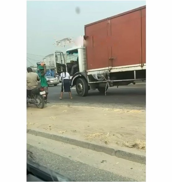 My life is finished, Driver says after breaking the side mirror of a G-Wagon in Lagos (Watch video)